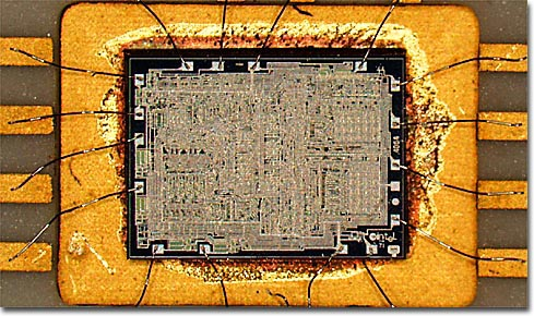 Molecular Expressions Photo Gallery: The Computer Collection - Intel 4004 Microprocessor